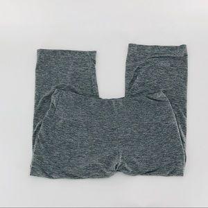 MAXCORE Capri Yoga Pants B01